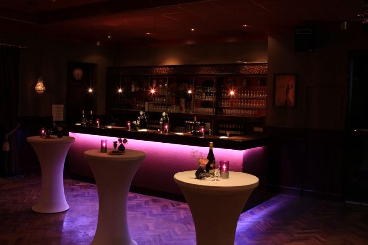 Zaalverhuur houten zaallocaties zaal huren voor uw feest bruiloft vergaderlocatie of - Huis bar ...